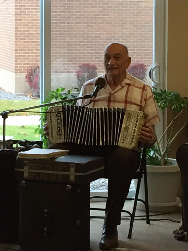 accordion performer