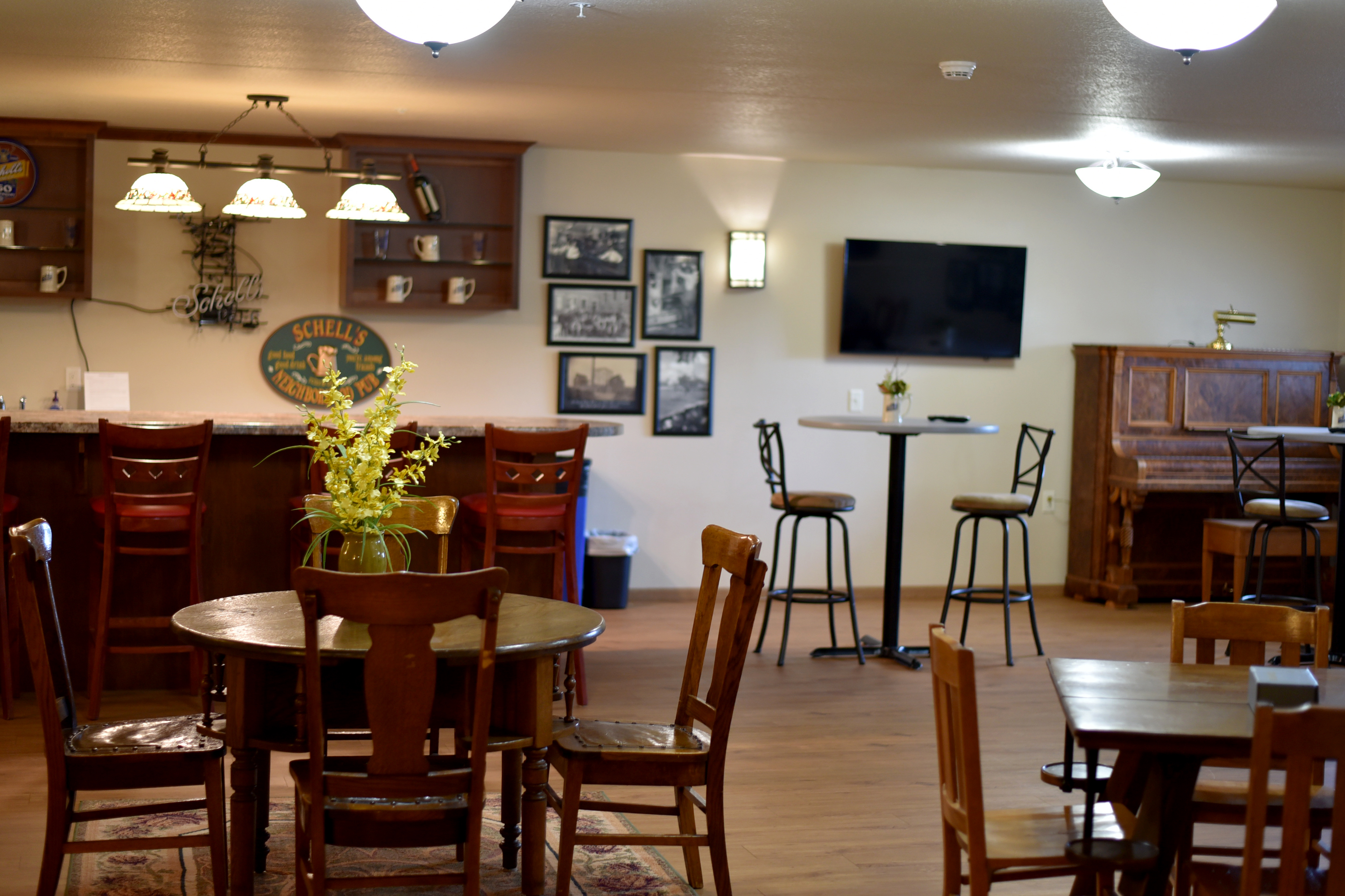 pub-room